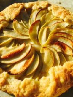 Simple and Rustic Apple Galette with Warm Caramel