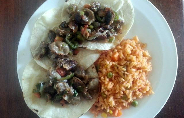 Chicken Gizzards And Hearts Recipe In The Form Of Tacos Tourn