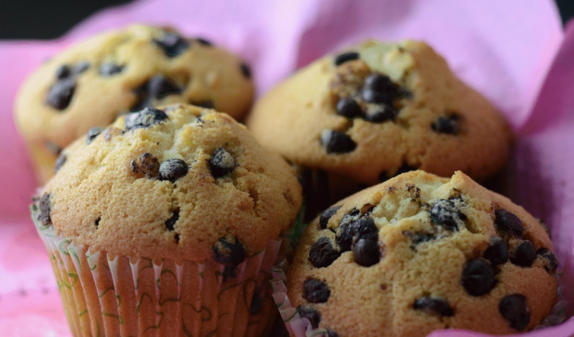 the-instructions-on-how-to-make-chocolate-chip-muffins
