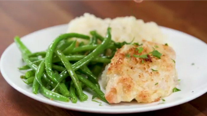 Longhorn Parmesan Crusted Chicken Recipe, the Flavorsome Dish You Cannot Resist
