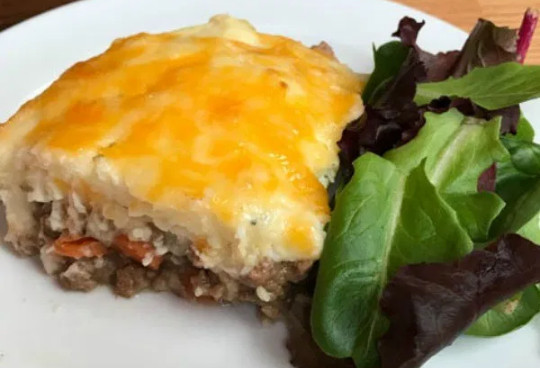 Easy Shepherd's Pie with Instant Mashed Potatoes as Simpler Cooking of Classic Dish