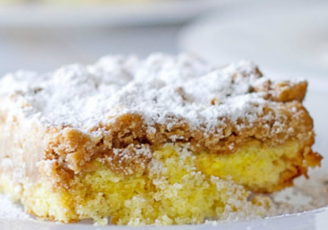 Simple Entenmann's Crumb Cake Recipe for Your Delicious Breakfast