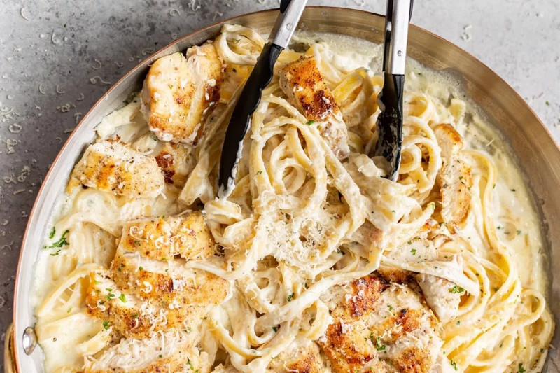 Fettuccine Alfredo Cheesecake Factory Secret Recipe to Try in Your Kitchen