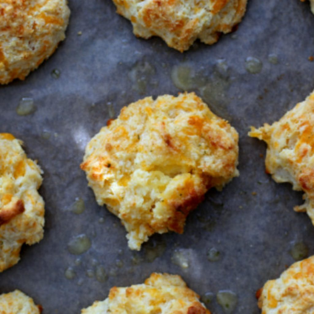 Making Red Lobster Biscuits with Bisquick Easy Recipe
