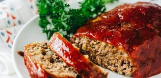 Yummy beef meatloaf with Ritz crackers